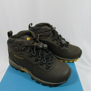 NEW Columbia Children's Hiking Boots size 12 USA